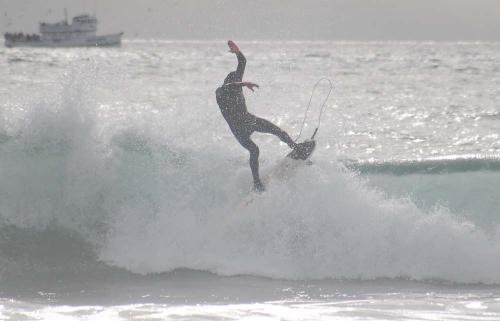 Frame grab from some really terrible Silver Strand this past Tuesday.  Read more in the Surflog.