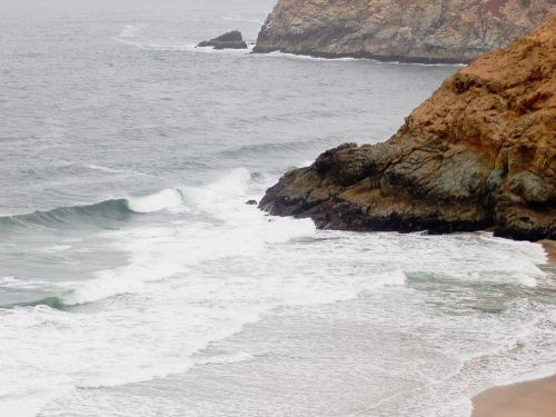 Just another empty cove off PCH. This one offered a very tricky to access right wedge.
