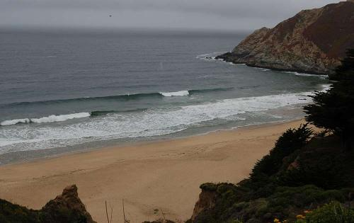Grey Whale Cove, this place looked like Point Dume except it broke more like Mesa Lane.